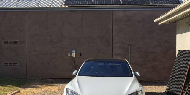 model-s-and-solar-panels_thumb.jpg